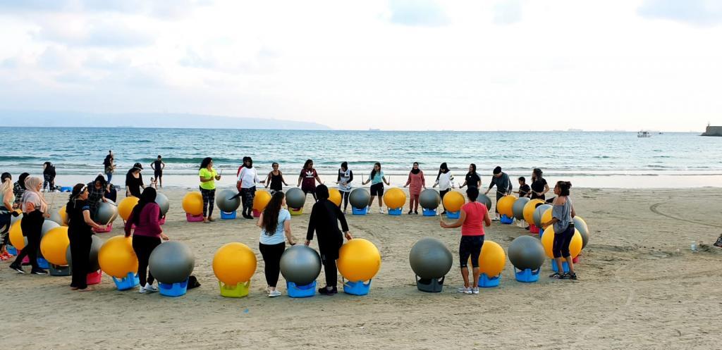 افتتاح فعاليات رياضة على الشاطئ في نادي الدولفينز التابع للمراكز الجماهيرية- أسوار عكا.