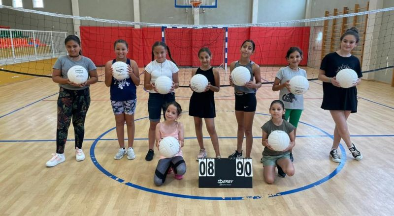 المراكز الجماهيرية- أسوار عكا، تفتتح 3 فرق لتدريب كرة الشبكة والرابعة على الطريق.
